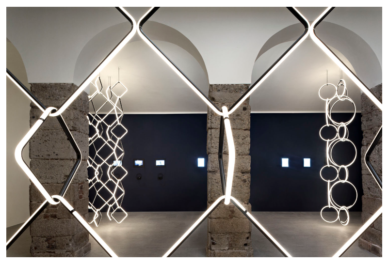 Screenshot_2018-09-27 Flos presenta Arrangements alla Milano Design Week 2018 Flos